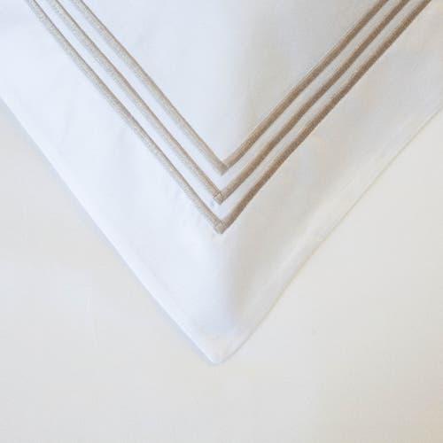 800 Hilos Algodón Egipcio Colección Milano - Blanco con triple cordón Beige - Funda de almohada