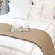 Colección Milano 800 Hilos Satén Algodón Egipcio – Blanco con triple cordón bordado color Marfil